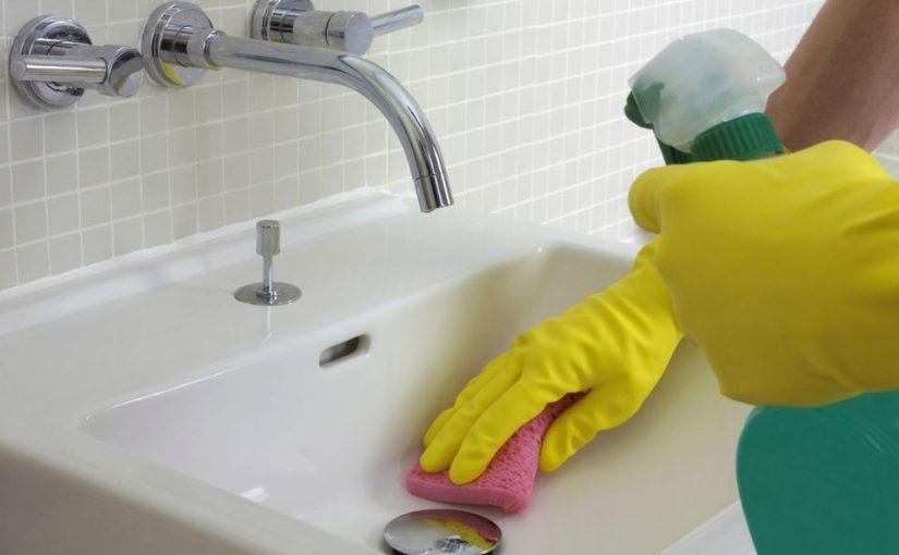 طرق سريعة لتنظيف ارضيات الحمام السيراميك